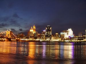 cincinnati skyline from kentucky shore
